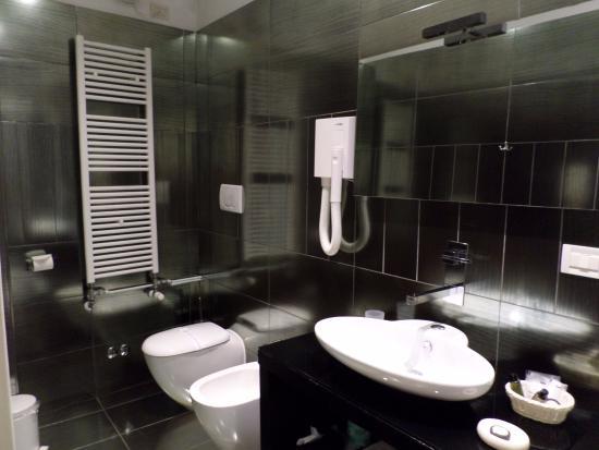 Salle de bain avec douche moderne picture of ca bonvicini