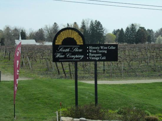 South Shore Wine Company: Winery Sign