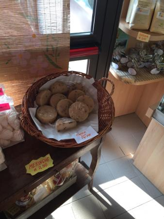 Caino, อิตาลี: capra con pepe