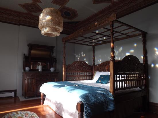Lumber Baron Inn & Gardens: Valentine Suite
