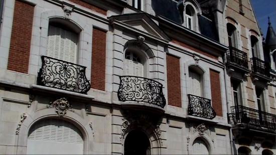 https://media-cdn.tripadvisor.com/media/photo-s/0b/4b/d0/e9/rue-alsace-lorraine.jpg