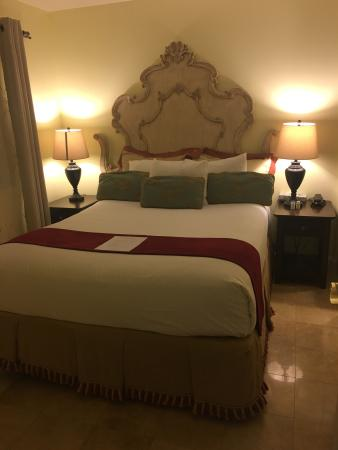Vendange Carmel Inn & Suites: photo0.jpg