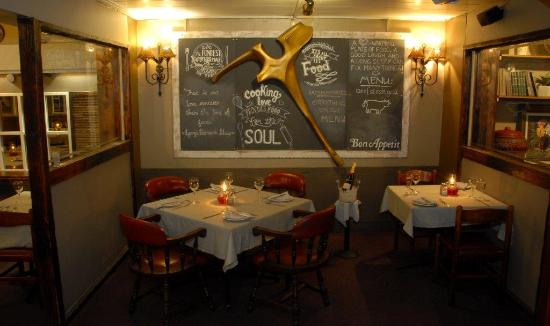 Hillside Tavern Grill: Golden T Bone