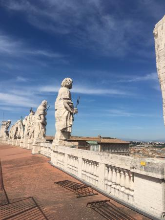 Relais Fontana Di Trevi : Top of St PeterS's......we had a beer!