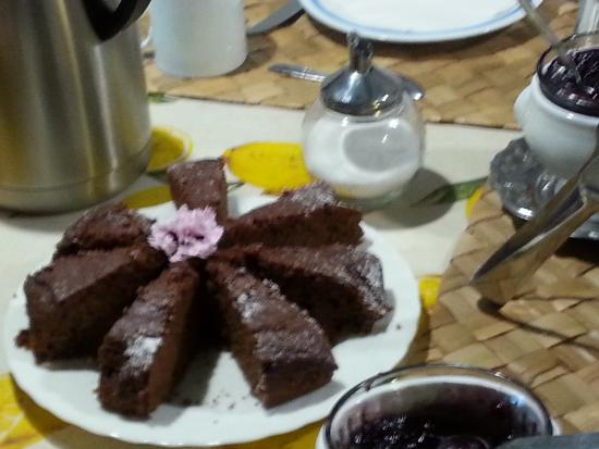Ancora del Chianti Bed and Breakfast : Lovely chocolate cake at breakfast
