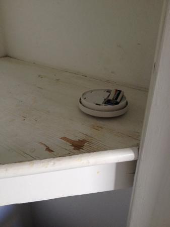 El Terado Terrace: Smoke detector in room.
