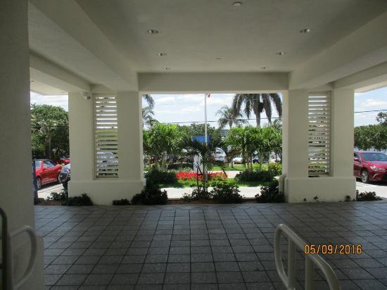 Highland Beach, FL: Entrance