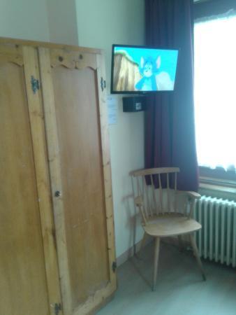 Hotel Bernina: angolo della camera