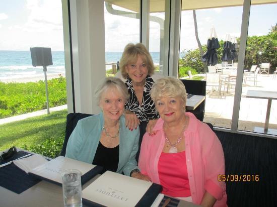 Highland Beach, FL: Ladies lunch