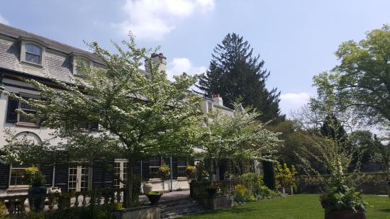 Wayne, PA: Chanticleer - House