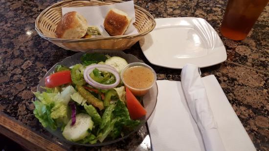 Lulu's Pizzeria and Family Restaurant: House Salad