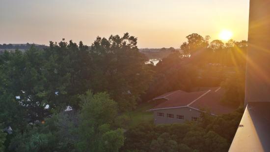 Riverside Sun: room view