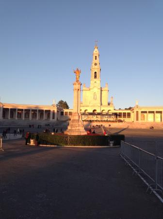 Shrine of our Lady of the Rosary of Fatima: Igreja