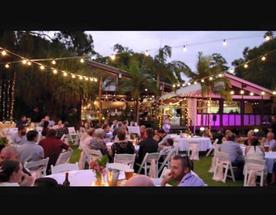 wedding reception in - rainbow beach wedding