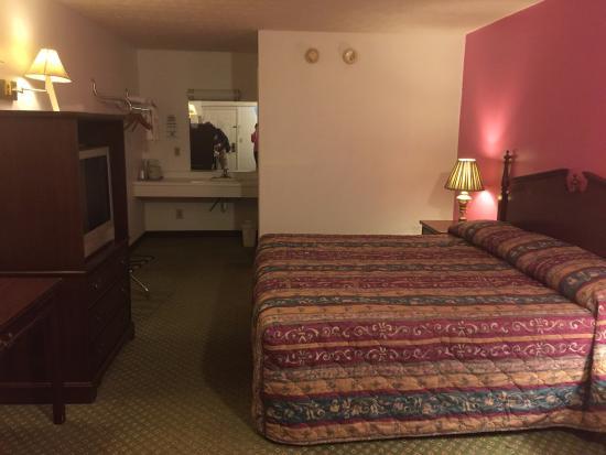 Hillsboro, OH: The room