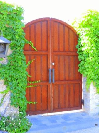 Ramekins Sonoma Valley Culinary School: Beautiful grounds and garden gate