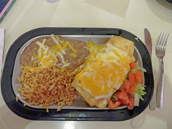 Four Winds Restaurant: Chicken chimichanga, rice and beans