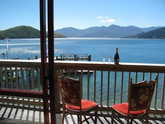 The Lodge at Te Rawa: Kingfisher Suite View