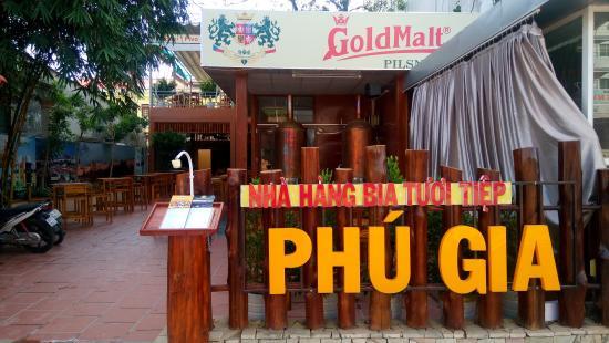 Bia Tuoi Tiep Phu Gia Restaurant