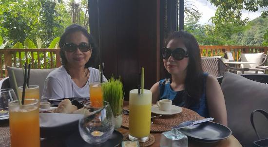 The Restaurant at Hanging Gardens Ubud, Bali: fresh drink
