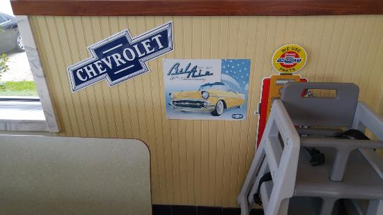 Alexander City, AL: Who's Diner Decor Sample