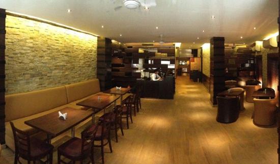 Vivek Hotel: Restaurant2