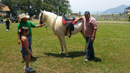 Pena Blanca, Honduras: Paseo en caballo