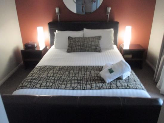 The Clarendon Hotel: Bed