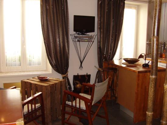 Interieurs-cour: Hier ein Beispiel des Studios: KENYA