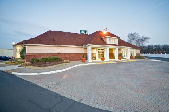 Homewood Suites by Hilton Hartford/Windsor Locks: Exterior