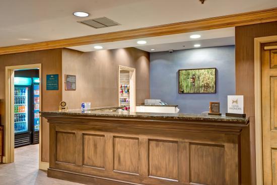 Homewood Suites by Hilton Hartford/Windsor Locks: Front Desk