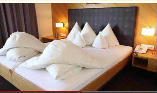 Hotel Restaurant Mohren: Zimmer