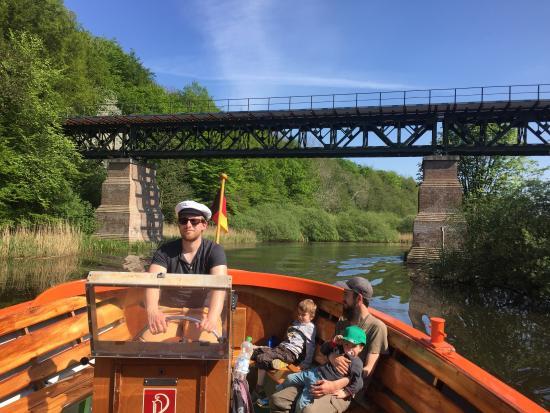 Kiel, Tyskland: Schöne Bootstour auf der idyllischen Schwentine