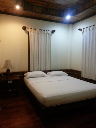 Ammata Guest House: Large room