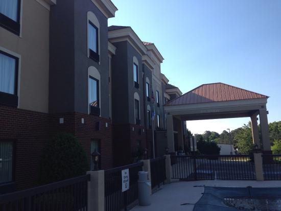 Holiday Inn Express Petersburg-Fort Lee: photo1.jpg
