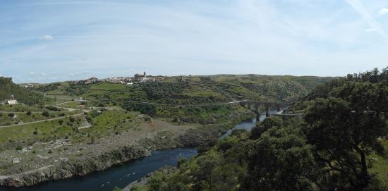 Alcantara, İspanya: Puente desde mirador presa