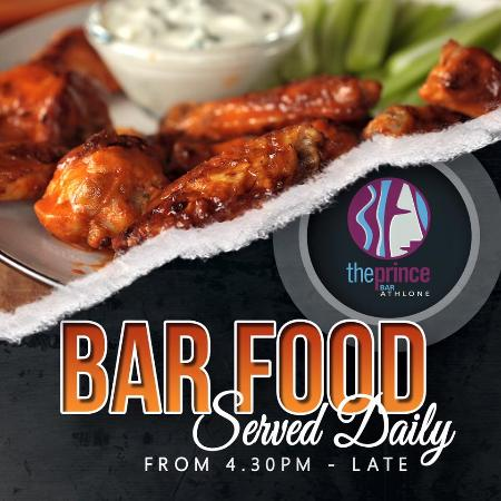 Athlone, Irlandia: Bar food available in The Prince Bar