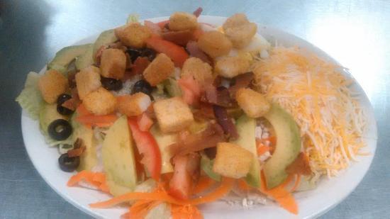 Detroit Lakes, MN: Cobb Salad