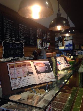 Homebush, أستراليا: Ted Baker gorgeous store , JB hifi  lunch & OB coffee at DFO