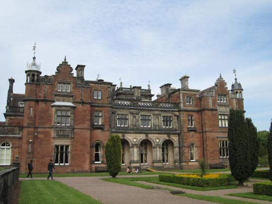 Keele Hall gardens