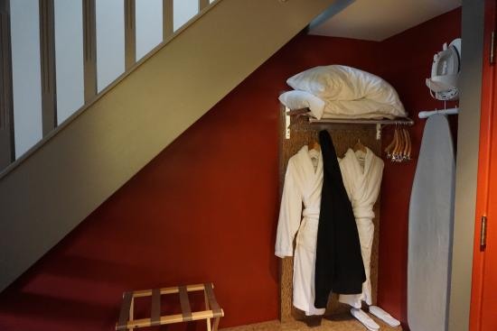 Adara Hotel: Nook for Bags, Shoes, Complimentary Robes, Slippers, Iron & Ironing Board