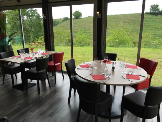 Le Restaurant Picture Of Les Terrasses De Bonnezeaux