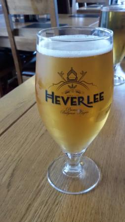 Cluanie Inn: Belgian Beer