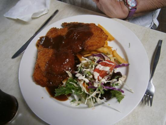 Tea Gardens, Australië: Chicken Schnitzel Lunch