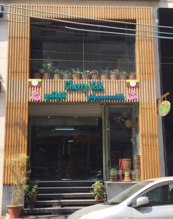 Cherry Yeik Shan Food Center