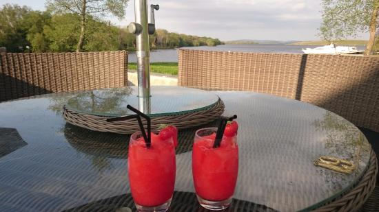 Boa Island, UK: Lusty Lady cocktails with stunning views