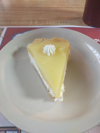 Flynnies Diner: Homemade lemon cream pie!