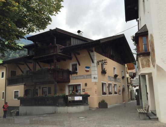 """San Martino in Passiria, Italië: """"Mitterwirt"""" Gasthaus Lamm"""