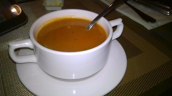 Kon-Tiki Foreigner's Restaurant and Bar: Tomatensoep
