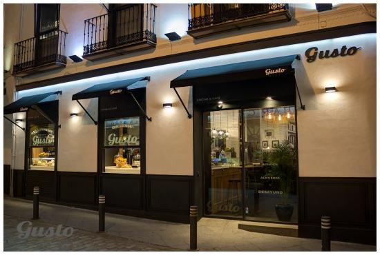 Fachada restaurante foto de gusto sevilha tripadvisor for Fachada para restaurante